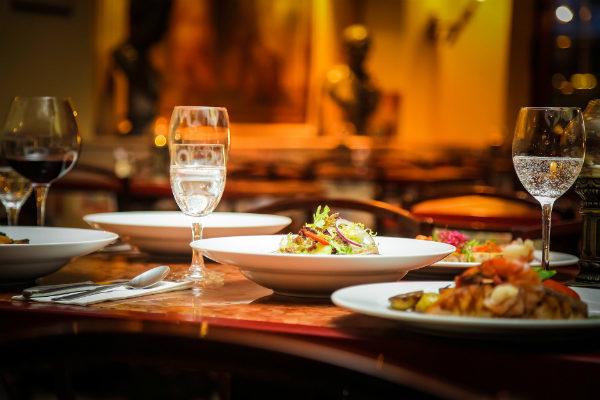 biznes lunch z klientem savoir-vivre DSK Ekperts